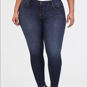 Torrid size 16R bombshell skinny jeans